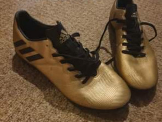 Adidas Gold Messi trainer/boot size 7.5uk
